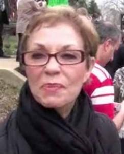 la madre di clooney protesta per l'arresto