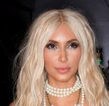 halloween-2012-kim-kardashian-si-veste-da-sirena
